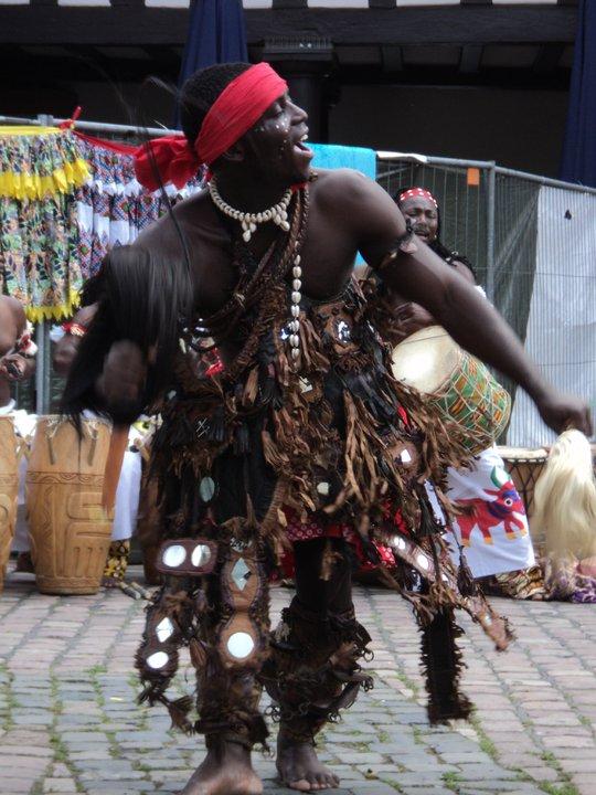 Dans T'Bol (Vuurdans - Noord-Togo (Basar))