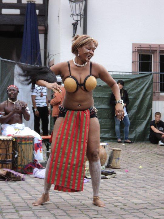 Adjifo (Dans van de maagd)